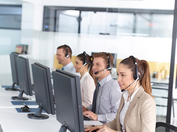 iStock-510323168_resized_ponytail lady in contact center.png